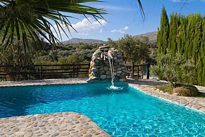 Espaciosa villa con piscina & Wifi Granada