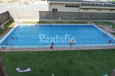Apartamento de 2 habitaciones con piscina y garage for Camping en la rioja con piscina
