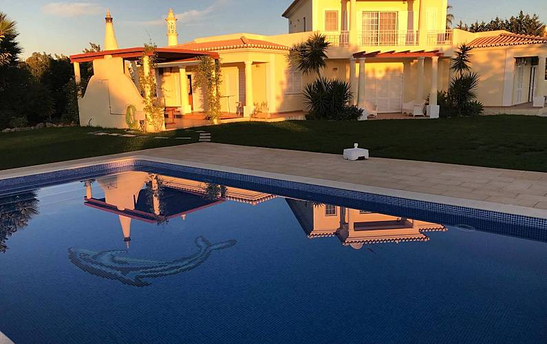 Villa with 4 bedrooms and pool,5 km from the beach Algarve-Faro - Outdoors