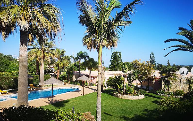 Nice house with pool access & Wifi Algarve-Faro -