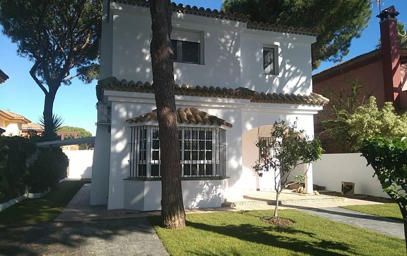 6cf2b481398 La Guindilla. Villa con piscina cerca de la playa - La Barrosa ...
