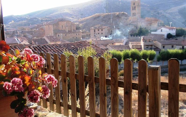 Casa para alugar com piscina villarroya de los pinares for Piscina teruel
