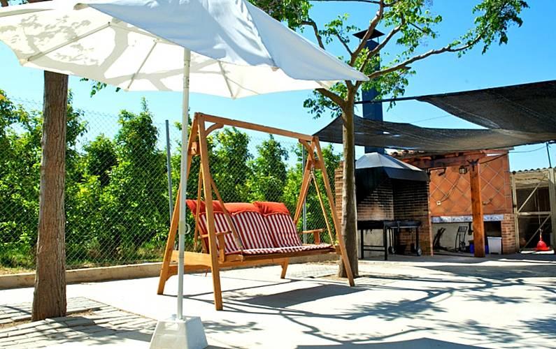 Espaciosa villa con piscina & Wifi Lleida/Lérida