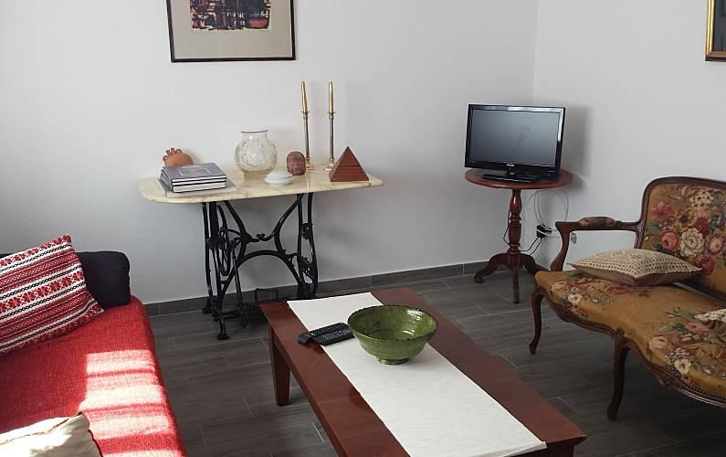 Casa para alugar a 300 m da praia Algarve-Faro - Sala