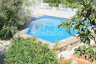 3 Casas para 6-28 pessoas com piscina
