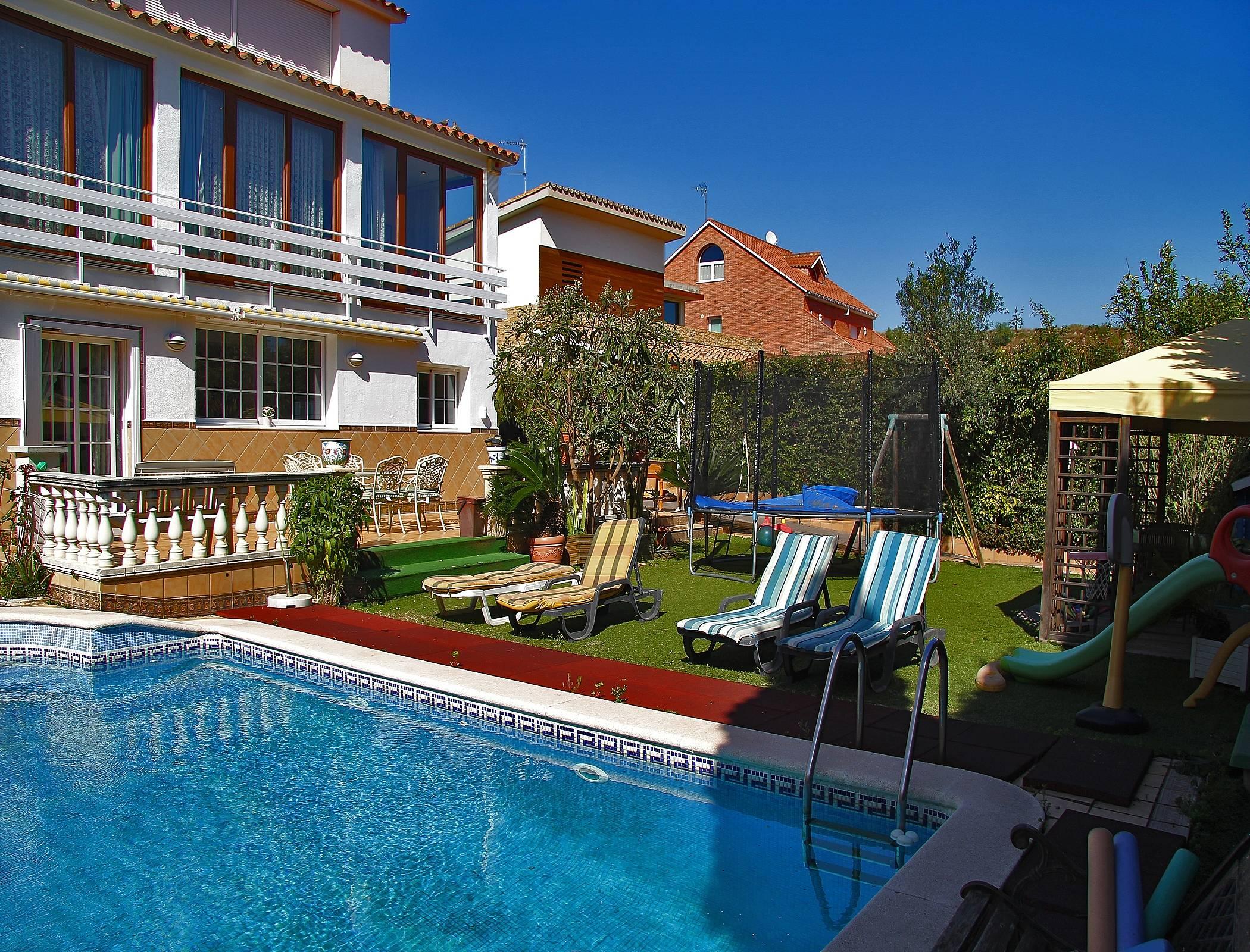 Alquiler vacaciones apartamentos y casas rurales en castellar del vall s barcelona - Alquiler casas rurales barcelona ...