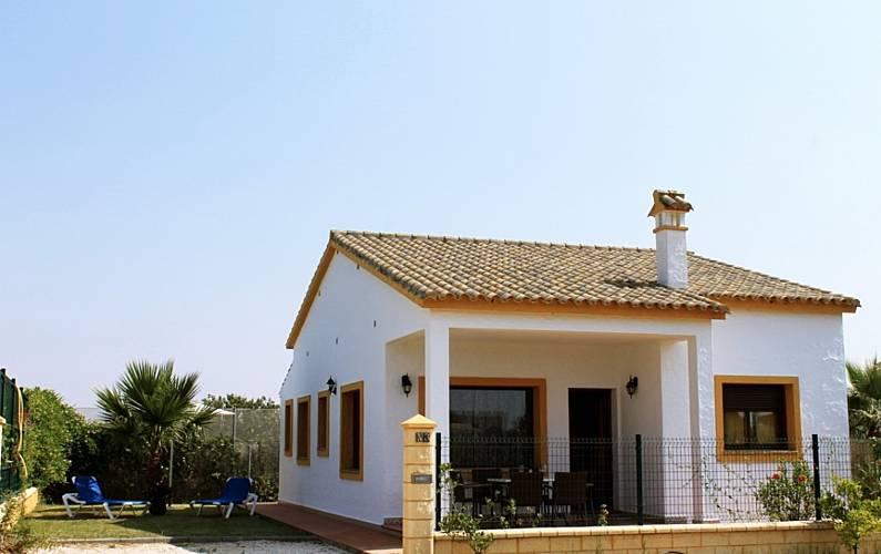 Haus Zur Vermietung In Andalusien Fuente Del Gallo Conil De La
