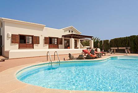Alquiler vacaciones en lanzarote apartamentos y casas rurales - Villas en lanzarote con piscina privada ...