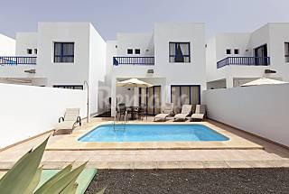 Villa con piscina pri, Sat, Wifi en Marina Rubicon Lanzarote