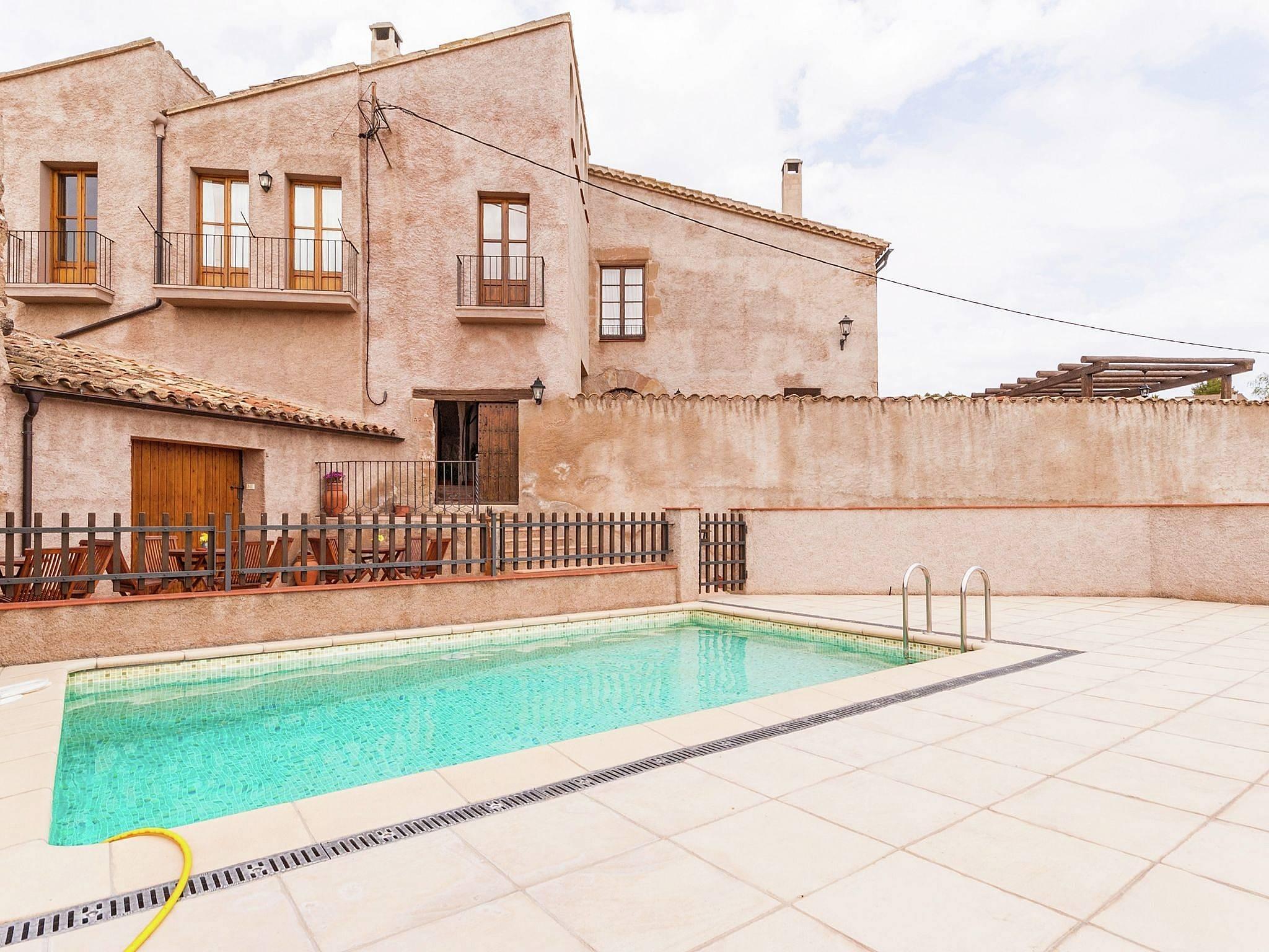 Alquiler vacaciones apartamentos y casas rurales en castellfollit del boix barcelona - Alquiler casas rurales barcelona ...