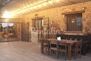 Masia en alquiler con piscina en Ullastret Girona/Gerona