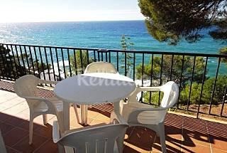 Fantásticos apartamentos con piscina junto al mar  Girona/Gerona