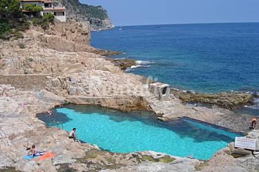 Apartamento de 3 habitaciones con piscina fornells for Piscina natural begur