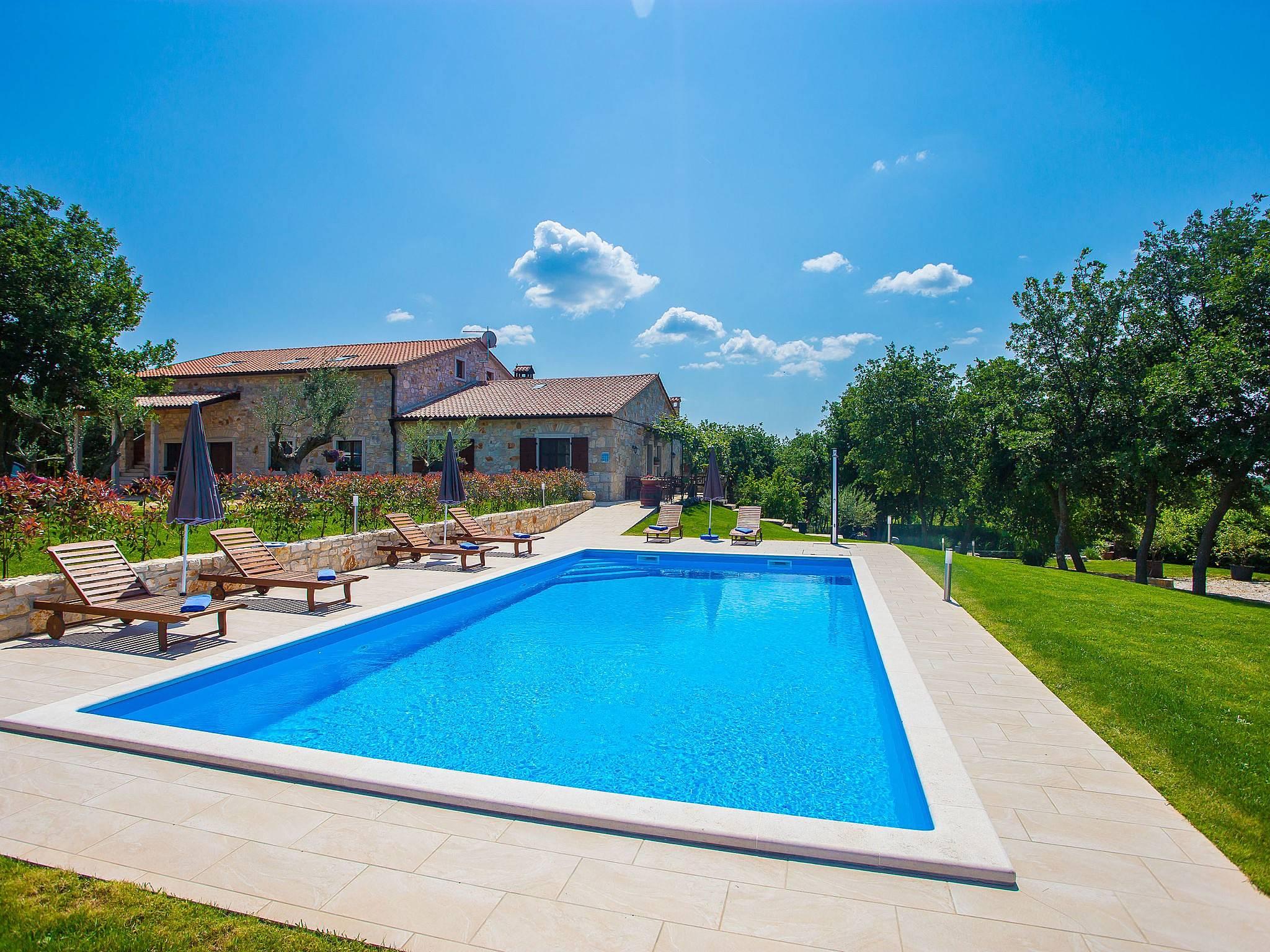 Apartamentos sveti lovrec istria alquiler apartamentos y pisos tur sticos - Alquiler apartamentos turisticos ...