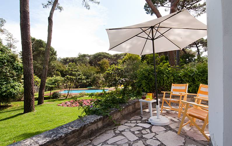 House with luxurious garden and swimming pool Lisbon - Outdoors