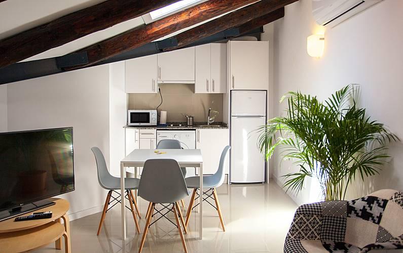 appartement pour 4 personnes madrid centre madrid madrid chemin de compostelle de madrid. Black Bedroom Furniture Sets. Home Design Ideas