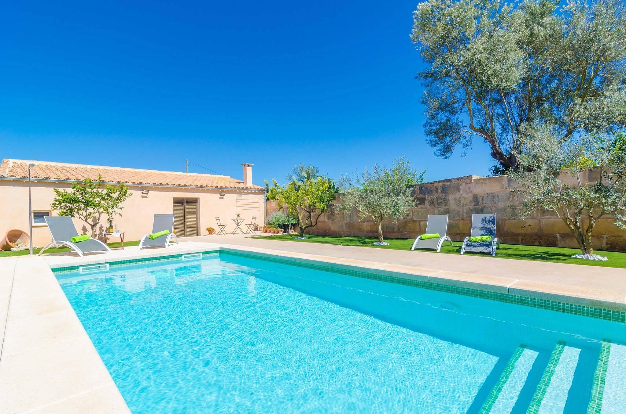 villa en location en les bal ares ariany majorque. Black Bedroom Furniture Sets. Home Design Ideas