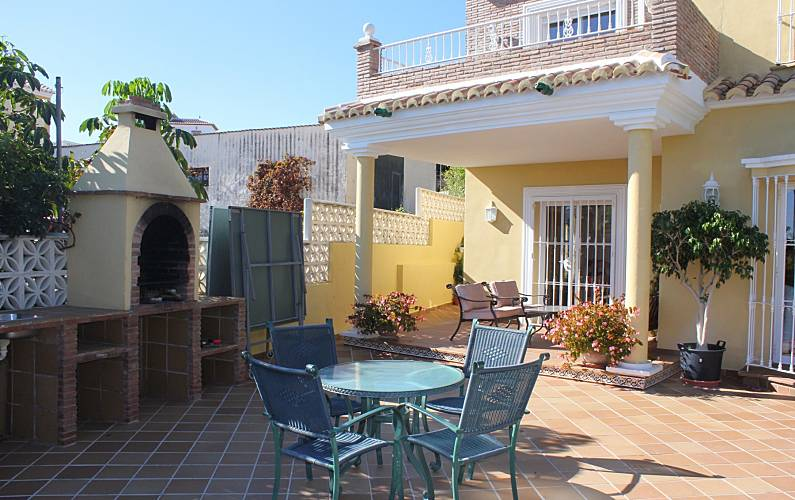 Family Villa With Heated Pool Nerja For