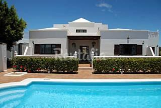 Villa Privada de 4 dormitorios 1000m con piscina  Lanzarote