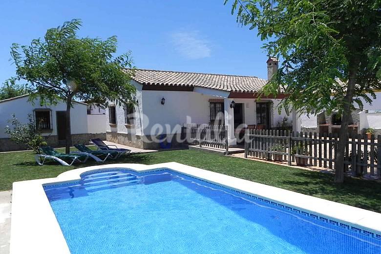 Casa juanito con piscina privada wifi aire acond roche for Casas con piscina privada en cadiz