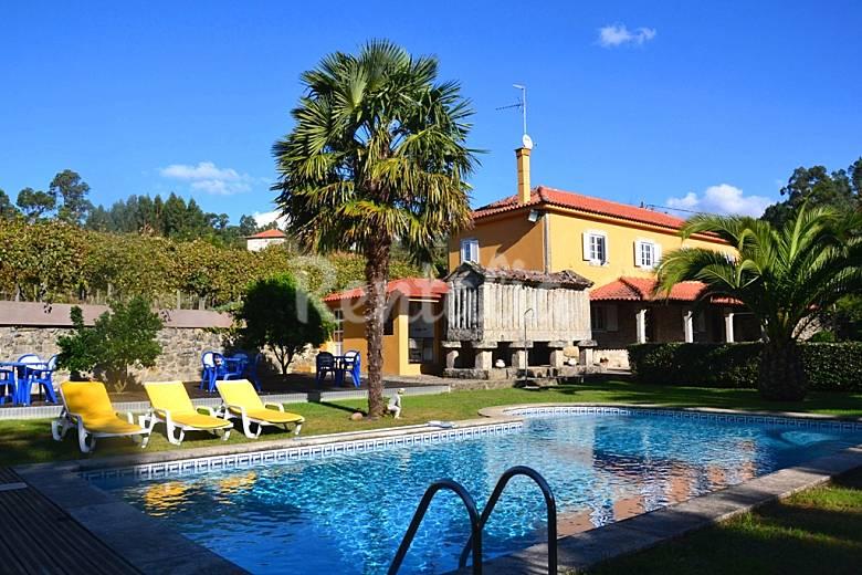 Villa para 8 12 personas con piscina paredes de coura for Piscinas viana