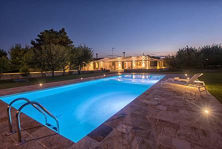 Case Piccole Con Giardino : Affitti case vacanze mesagne appartamenti case e ville vacanze