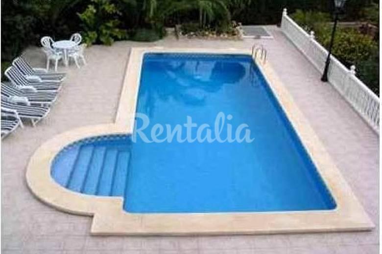 Bonita casa rural con piscina y jard n la murta murcia for Casas vacacionales con piscina