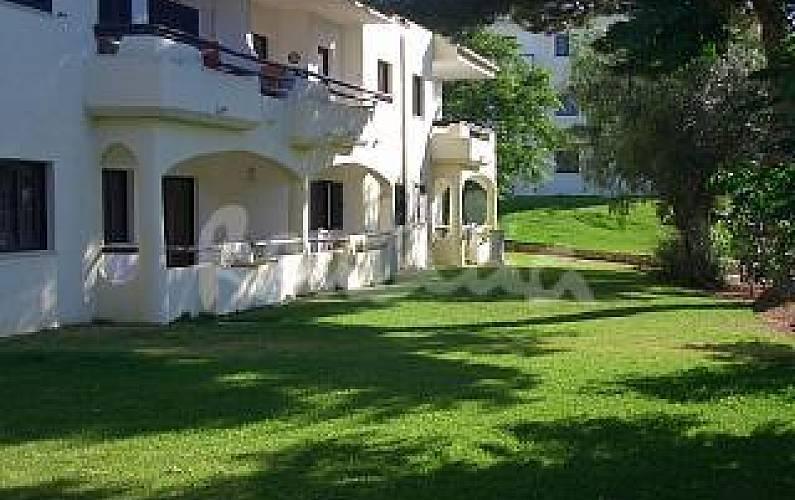 T1 reformado com piscina. 2-7 Pessoas. Algarve-Faro - Jardim