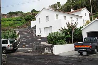 2 Houses only 200 meters from the beach Pico Island