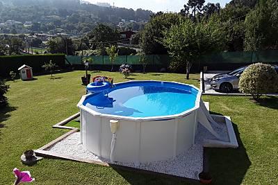 Casa con piscina próxima a la playa Pontevedra
