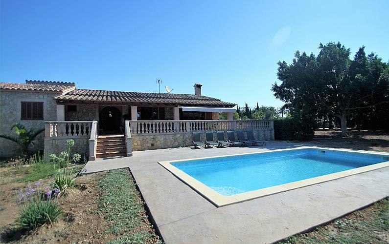 Dormitorios Mallorca.Son Pax Villa Rustica En Palma 6 Pax 3 Dormitorios Piscina