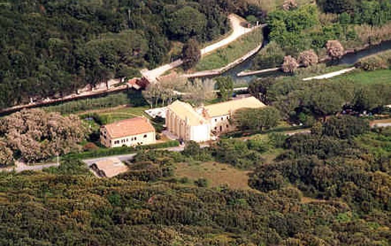 Villa Parte esterna della casa Latina Sabaudia villa - Parte esterna della casa
