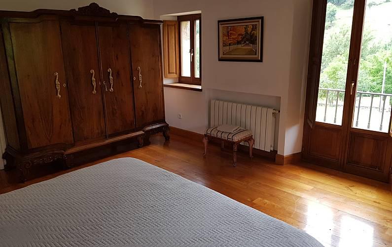 Picos Habitación Cantabria Camaleño Villa en entorno rural - Habitación