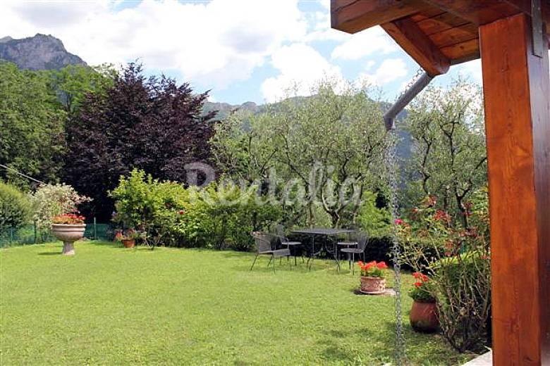 Villa para 6 9 personas piani di bobbio valtorta lecco for Piani di villa italiana