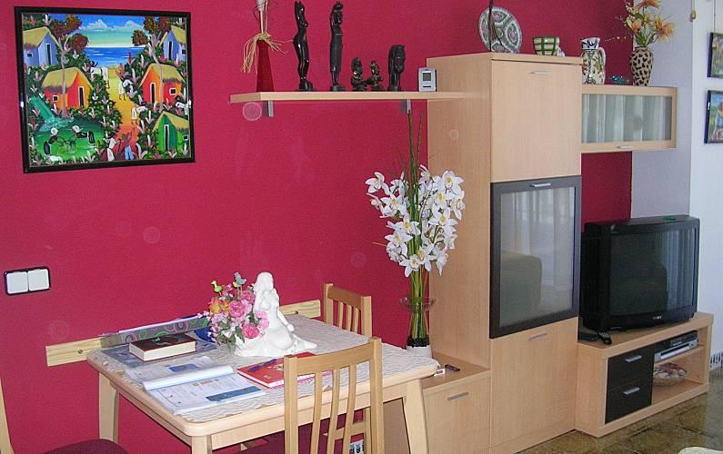 Apartamento para alugar em frente praia cunit for Sala 0 tarragona