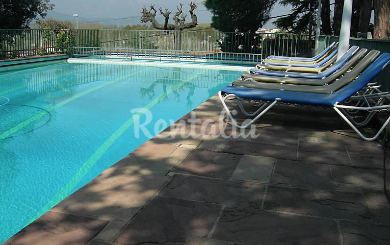 Villa con piscina costa brava tordera barcelona costa for Piscinas costa brava