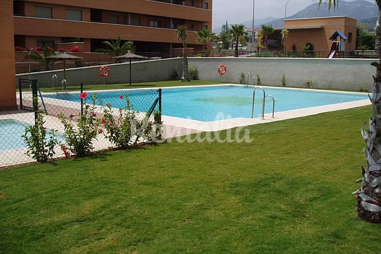 Apartamento piscina y playa en torremolinos el pinillo for Piscina torremolinos