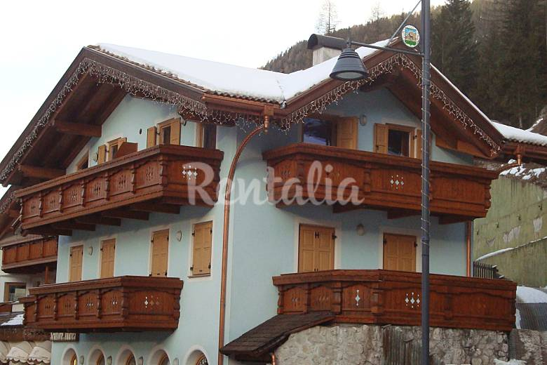 Apartment for 4-8 people Canazei Trentino