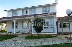 Casa con piscina cubierta a 200 m de la playa A Coruña/La Coruña