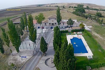 Casa rural huerta avecilla con piscina. Segovia