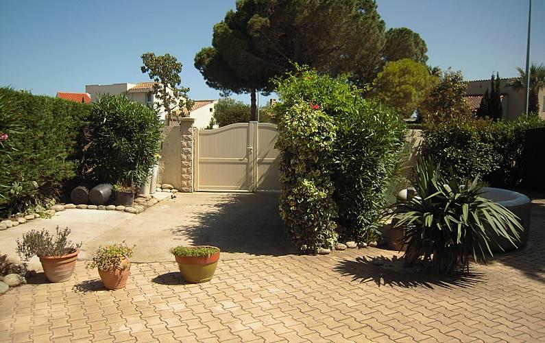 Schönes Haus Mit Garten Amp Terrasse Saint Cyprien Pyrénées