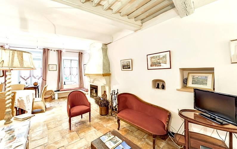 Enchanting Vaucluse Saignon Cottage -