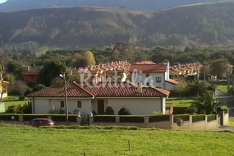 Villa de 3 habitaciones a 1200 m de la playa andrin for Llanes habitaciones