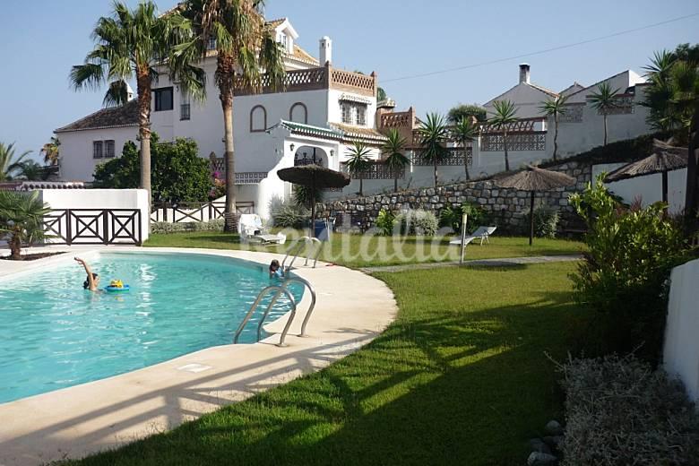 2 apartamentos en alquiler a 600 m de la playa almu car for Piscina publica alhendin granada