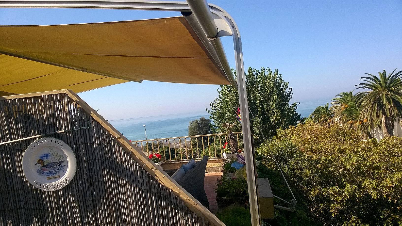 Appartamento per 6 8 persone a 30 m dalla spiaggia santa - Bagno roma marinella di sarzana ...