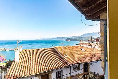 Casa de 3 habitaciones en 1a línea de playa Asturias