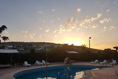 Bonito apt con piscina & terraza Jaén