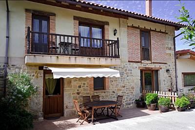Apartamentos Playa Galizano: El Saúco Cantabria