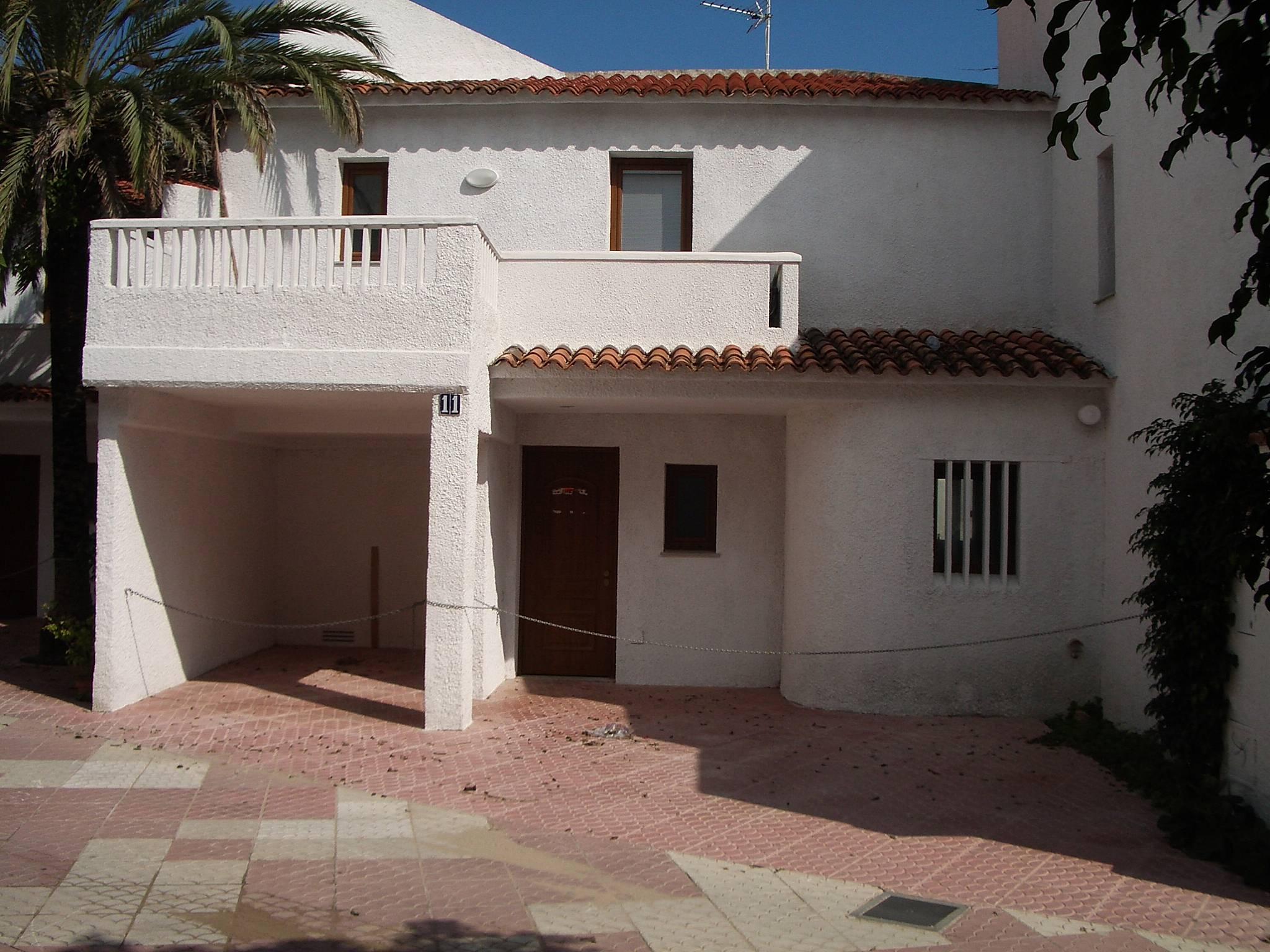 Casa en alquiler a 50 m de la playa grau i platja - La casa del pintor gandia ...