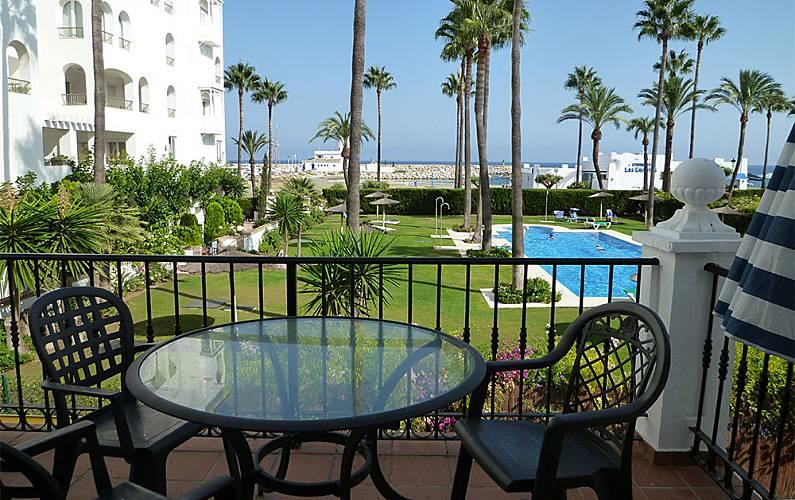 Two Beedrooms Apartment In Marina Real Málaga Terrace